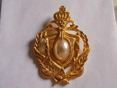 ITEM  145 Vintage Paquette Gold tone brooch with faux by joegems66
