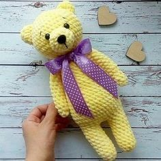 Right here you can see how to make this sweet bears amigurumi. Free amigurumi teddy bear pattern by Nelly Handmade. Bag Crochet, Crochet Baby Toys, Crochet Bunny, Cute Crochet, Crochet Dolls, Crochet Animals, Amigurumi Doll, Amigurumi Patterns, Crochet Patterns