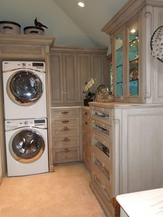 Wonderful This Would Be Awesome! Laundry In Master Closet! If Tight Stack The Laundry  To Leave Room For A Folding Table.