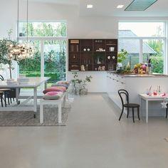 Pergo Vinyl Flooring – Tile Premium Click 'Gray Modern Mineral' I en m … Types Of Wood Flooring, Solid Wood Flooring, Vinyl Flooring, Area Comercial, Color Mate, Cork Wood, Tv Stand Cabinet, Italian Tiles, Tile Manufacturers
