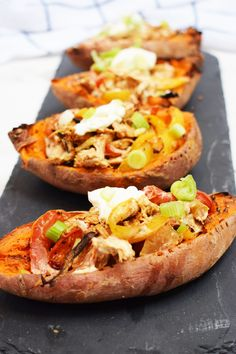 Creamy Cajun Stuffed Sweet Potato Skins - Stuffed Sweet Potato Skins - Cajun - Peppers - Baked - Sweet Potatoes - Recipe - Slimming World - Syn Free - Healthy Extra A Making Sweet Potato Fries, Sweet Potato Skins, Sweet Potato Recipes, Beef Recipes, Healthy Recipes, Cajun Recipes, Savoury Recipes, Chicken Recipes, Healthy Food