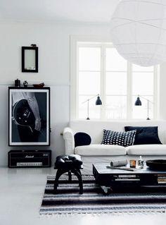 Une maison de campagne en noir et blanc | PLANETE DECO (photo by Magdalena Björnsdotter)