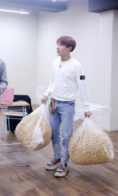 Find images and videos about kpop, bts and jhope on We Heart It - the app to get lost in what you love. Jhope, Bts Bangtan Boy, Taehyung, Bts Suga, Gwangju, Jung Hoseok, Foto Bts, V Wings, Tomoyo Sakura