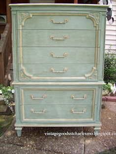 Ideas white bedroom furniture decor color combos duck eggs for 2019 Refurbished Furniture, Repurposed Furniture, Furniture Makeover, Vintage Furniture, Dresser Makeovers, Chalk Paint Furniture, Furniture Projects, Furniture Making, Furniture Decor