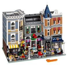 LEGO 10255 : Assembly square | by Alex THELEGOFAN