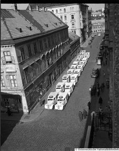 Seidengasse Kurier ... Vienna Austria, Black And White Photography, Past, Photo Wall, Old Things, History, City, Vintage, Vienna