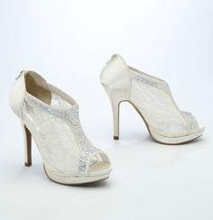 Very cute shoes Style AYAEL9 #davidsbridal #weddingshoes