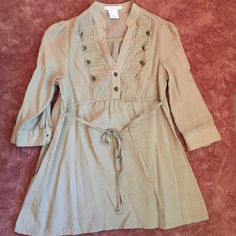 Creme Blouse |Size S| Creme Blouse with gold buttons |Size S| great over tights/jeans! Charlotte Russe Tops Blouses