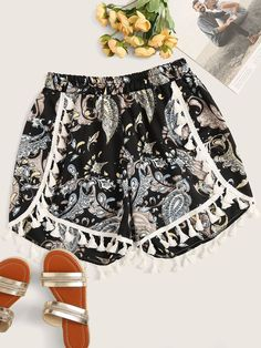To find out about the Plus Tribal Print Fringe Detail Shorts at SHEIN, part of our latest Plus Size Shorts ready to shop online today! Boho Plus Size, Plus Size Women, Plus Size Shorts, Plus Size Outfits, Plus Size Dresses Australia, Fringe Swimsuit, Plus Size Kleidung, Type Of Pants, Trends