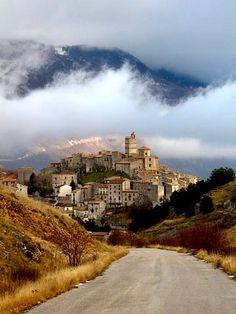 Castle del Monte, Abruzzo, Italy