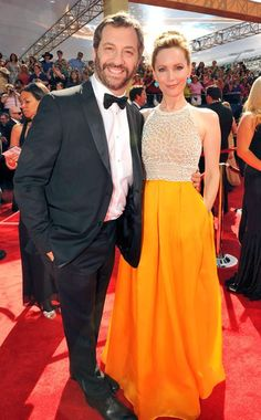 More orange! This time on Leslie Mann. She is just too darling. #Emmy