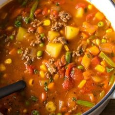 Hamburger Soup is a quick and easy meal loaded with vegetables, lean beef, diced tomatoes and potatoes. It's great made ahead of time, reheats well and freezes perfectly (quick and easy soup vegetables) Soup Recipes, Dinner Recipes, Cooking Recipes, Healthy Recipes, Recipes With Tomato Soup, Easy Veggie Soup, Easy Recipes, Vegetarian Recipes, Lasagna
