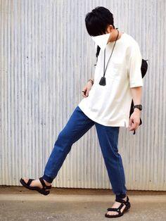 夏は黒のアクセサリーばっか着けたい。 GUのTシャツはXLです。 前のカーキのやつはLサイズ。 白は Korean Fashion, Mens Fashion, Fashion Outfits, Style Masculin, Mens Clothing Styles, Asian Men, Blue Denim, Poses, Man Style