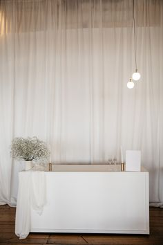 Perfect for the post-ceremony cocktail hour. Dreamy styling featuring neutrals tones, babies breath and line. Styling, design and florals @two_foxes_styling Linen @tble.linen.hire  Stationary @justmytype_nz Lighting by @vintageandstyle Babies Breath, Opening Day, Neutral Tones, Foxes, Stationary, Florals, Minimalism, Cocktail, Curtains