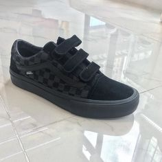 vans old skool v pro (Rowan zorilla)black  size 7.5 - 11.5  hkd 690 #8five2shop #vans #vanshkg @8five2shop @vans