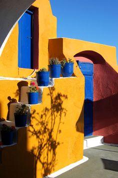 colours of Santorini island. House in Oia, Greece - PloosDesign https://www.facebook.com/PloosDesign