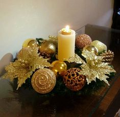 Christmas Candle Decorations, Christmas Tree Wreath, Christmas Candles, Gold Christmas, Christmas 2017, Christmas Crafts, Christmas Ornaments, Basket Flower Arrangements, 242