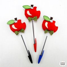 Foam Crafts, Diy And Crafts, Crafts For Kids, Arts And Crafts, School Centerpieces, Pen Toppers, Princess Crafts, Felt Bookmark, Flower Pens