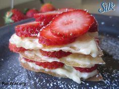 Strawberry-Napoleon-e1432067674860.jpg 700×525 pixels