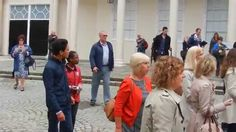 3 Flash Mob songs performed by a choir of Jehovah's Witnesses in Bath AWESOME! Reason Why I love going to meetings and conventions!- to show love to my brothers and sisters Jw Videos, Jw Songs, Jw Humor, Kingdom Hall, World Religions, Bible Truth, Jehovah's Witnesses, Choir, Good News