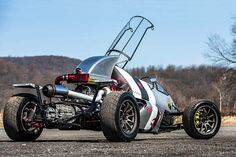 Custom-built futuristic hot rod set to become a Hot Wheels official die-cast model - Car Body Design Triumph Motorcycles, Cars And Motorcycles, Hot Wheels, Hot Rods, Ducati, Motocross, Scooters, Diy Go Kart, Nissan 300zx