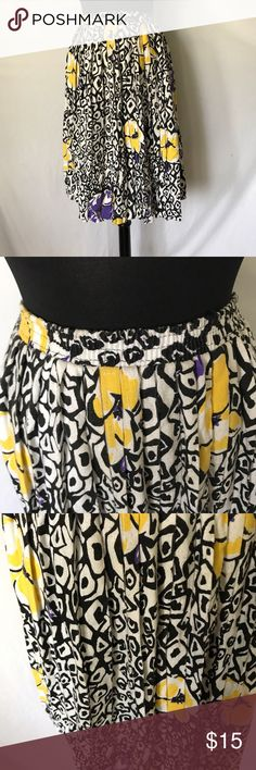 Vintage Ruffle Skirt Elastic waistband. In good vintage condition! Skirts