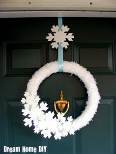 Snowflake Wreath DIY