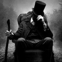 Quando qualcuno è sgarbato con te o ti tratta male, non prenderla sul personale. Non dice nulla su di te, ma molto su di lui.  web