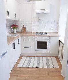 """Интерьер маленьких квартир on Instagram: """"Квартира 38 м2 для сдачи в аренду, здесь минимум декора, чтобы арендатор мог обустроить все для себя.  В квартире сделана небольшая…"""""""