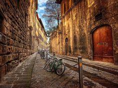 amazing RT @dudu_amorim: Florence (Firenze), Italy by Alamy/Ken Kaminesky pic.twitter.com/4YBdxP0HsZ