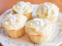 Vanilla Cream Cheese Cupcakes