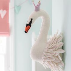 A lovely Swan Head to hang in your little girl's nursery. This charming wall decor is that little idea you are looking for to complete the room's look. Nursery Canvas, Nursery Artwork, Nursery Room, Girl Nursery, Cute Teen Rooms, Kids Rooms, Fantasy Bedroom, Kids Bedroom Designs, Hanging Artwork