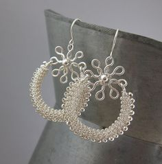 Bead wire coiling earrings