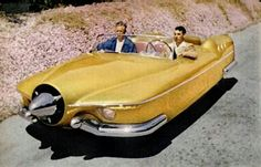 The Manta Ray was built by Glen Hire and Vernon Antoine of Whittier, California, sometime between 1951 and Inspiration came from Harley Earl's 1951 GM LeSabre concept car. Colorized photo published in Popular Science, March Weird Cars, Cool Cars, Crazy Cars, Blake Et Mortimer, Roadster, Pt Cruiser, Flying Car, Manta Ray, Futuristic Cars