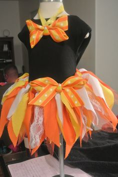 Candy corn tutu - I love the use of ribbon & lace! Diy Girls Costumes, Halloween Costumes To Make, Creative Costumes, Halloween Dress, Candy Corn Costume, Candy Costumes, Tutu Costumes, Girls Dress Up, Tutus For Girls