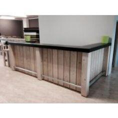 Steigerhouten toonbank Wood Pallet Bar, Store Interior, Counter Design, Bars For Home, Basement Bar Designs, Home, Bar Counter Design, Restaurant Bar, Shop Counter Design