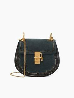 Discover Drew Shoulder Bag and shop online on CHLOE Official Website. 3S1031HB8