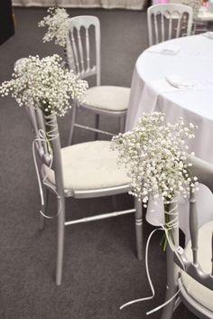 #HLo Tips: Bouquet de flor de gypsophila, conocida como nube, montada en silla versalles, para boda estilo mexicano.