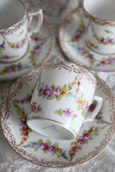 「ドイツアンティーク ドレスデン デミタスカップ&ソーサー 」ココン・フワット Coconfouato [アンティーク照明&アンティーク家具] フレンチアンティーク キャニスターセット ホーロー 陶器 テーブルウェア --kitchen--