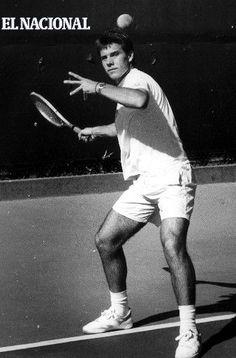 Nicolás Pereira  el quinto mejor tenista de Latinoamérica , quien se colocó en el escaño 74 individual en el ranking mundial en 1996. 08-11-1988. (MIGUEL GRILLO / ARCHIVO EL NACIONAL)
