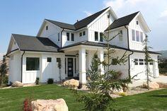 Modern farmhouse home exterior.