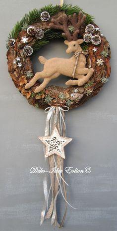 http://de.dawanda.com/product/89818831-tuerkranz-kranz-advent-springender-hirsch
