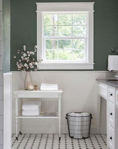 farmhouse bathroom table1