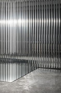 Mirror Wall Tiles, Tattoo Studio Interior, Window Display Retail, Archi Design, Interior Design Images, Techno, Steel Wall, Retail Design, Danish Design