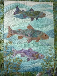 Fish quilt pattern helps keep the blanket clean and creates an elegant look for the bedroom decor. Often the blanket clings or slides inside the lid. Longarm Quilting, Free Motion Quilting, Quilting Projects, Quilting Designs, Quilting Ideas, Art Quilting, Machine Quilting, Quilt Art, Ocean Quilt
