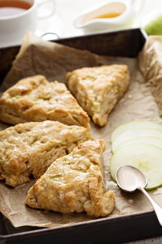 Low Unwanted Fat Cooking For Weightloss Delicious Apple Scone Recipe, Delicious, Easy Scones Bursting With Cinnamon And Shredded Apple. Simple And Perfect For Your Busy Mornings Apple Scones, Apple Bread, Apple Cinnamon Scones Recipe, Scones Recipe With Milk, Apple Crumb, Cinnamon Butter, Cinnamon Bread, Cinnamon Rolls, Banana Bread