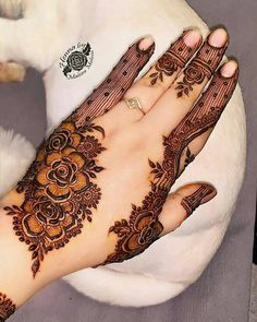 We have got a list of top Arabic Mehndi designs for Hand. You can choose Arabic Mehndi Design for Hand from the list for your special occasion. Henna Hand Designs, Dulhan Mehndi Designs, Mehandi Designs, Mehndi Designs Finger, Khafif Mehndi Design, Mehndi Designs For Girls, Mehndi Designs For Beginners, Modern Mehndi Designs, Mehndi Design Pictures