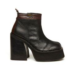 Kickback 90s Black & Brown Leather Platform Ankle Boot // Size 9...