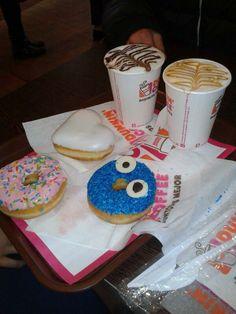 Desayuno en pareja en Dunkin' Coffee