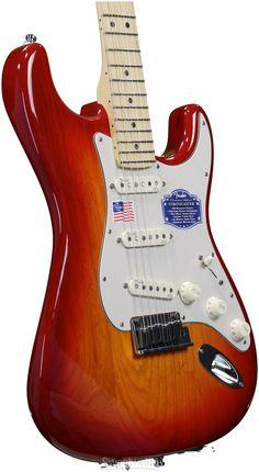 Fender American Deluxe Ash Strat (Aged Cherry Burst)